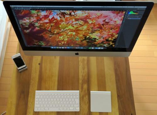 iMac Retina 5Kとテーブル