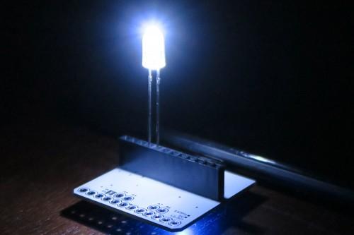 Nexus 7をLEDの光で照らす